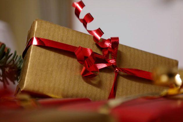 pixabay-weihnachten-geschenke-gift-556042