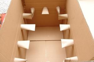 schnueffelkiste-karton-mit-klorollen-05