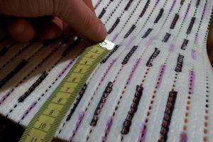 schnueffelteppich-raster-massband