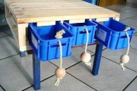 Schubladen-Spieltisch